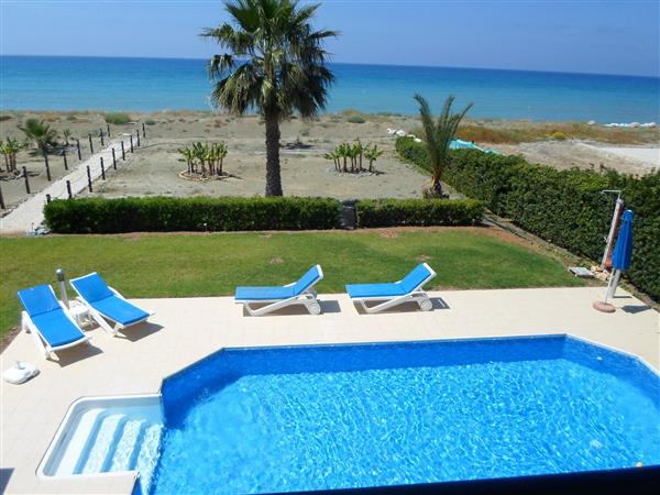 Anna Beach Villa, Argaka, Paphos With Swimming Pool