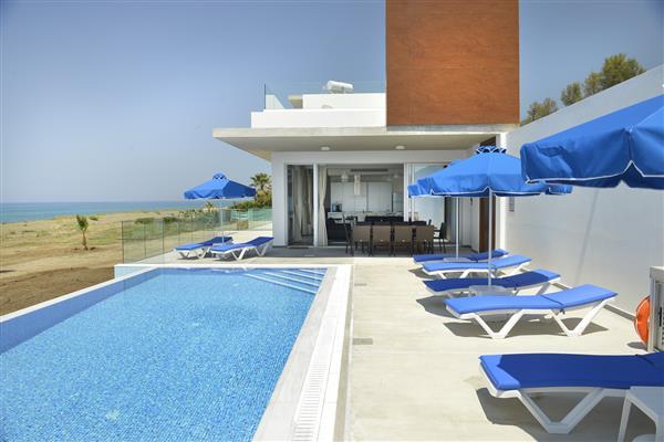 Anthi Beach Villa, Argaka, Paphos With Swimming Pool