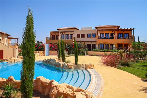 Apartment Alexander Heights Premium AR12, Aphrodite Hills, Cyprus With Swimming Pool
