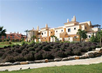 Apartment Cascade Garden Residence I in Portugal