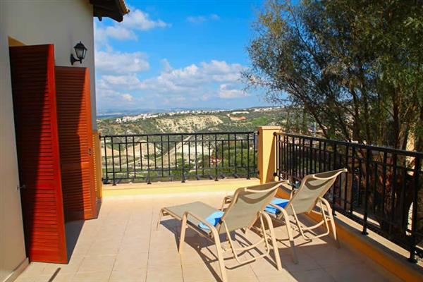 Apartment Theseus Village BI12, Aphrodite Hills, Cyprus With Swimming Pool