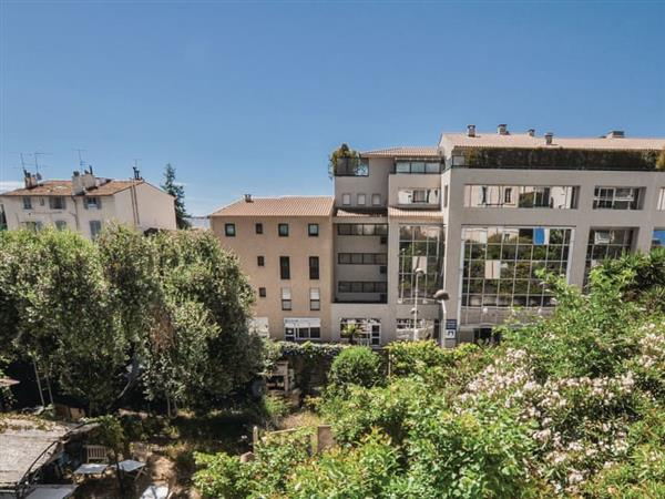 Appartement de Cannes from Cottages 4 You
