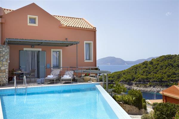 Assos Midi in Ionian Islands