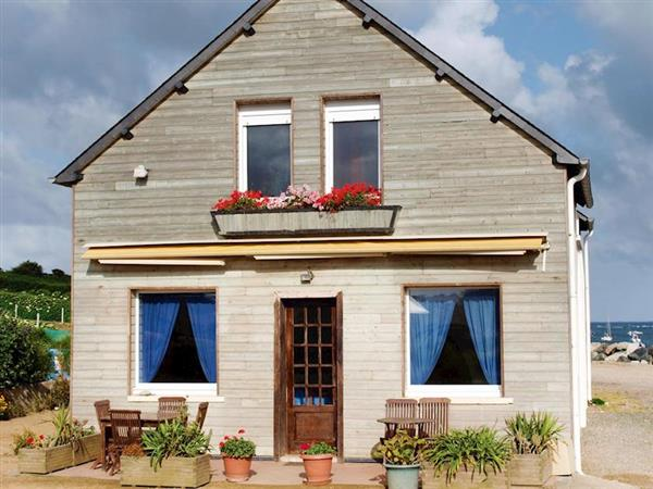 Au Bord de la Mer from Cottages 4 You