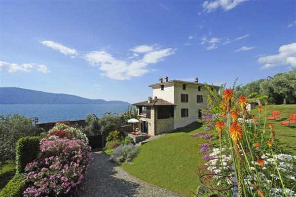 Casa di Limonaia in Provincia di Brescia