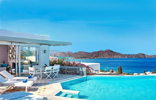 Elounda Gulf - Mediterranean Pool Villa in Crete