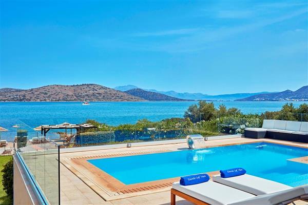 Elounda Gulf - Seafront Villa in Crete