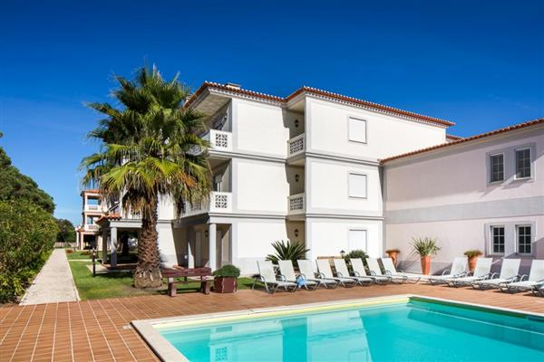 Garden Apartment I in Óbidos Municipality