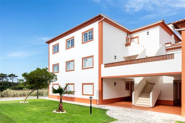 Garden Apartment III in Óbidos Municipality