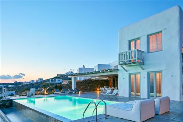 Houlakia Beach Villa in Southern Aegean