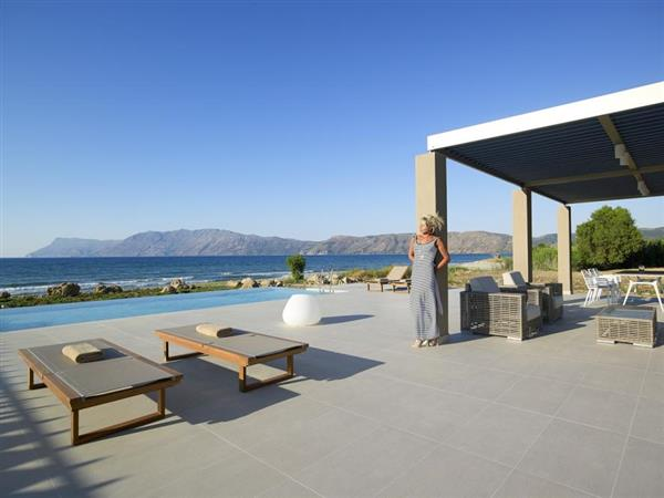 Kissamos Beach Villa in Crete