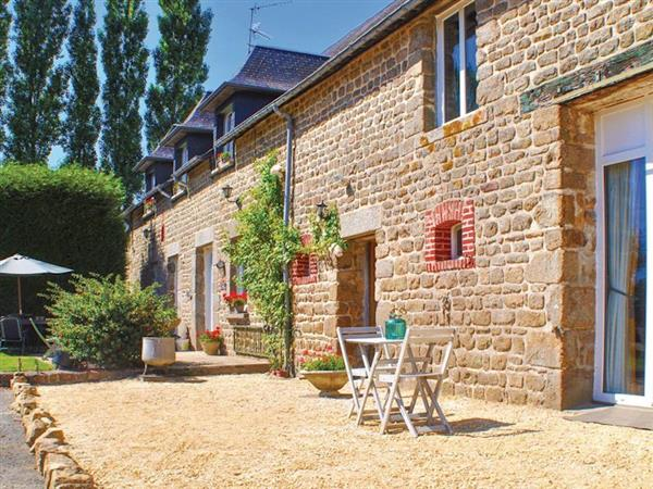 La Maison en Pierre, Fougerolles-du-Plessis, Loire Valley - France