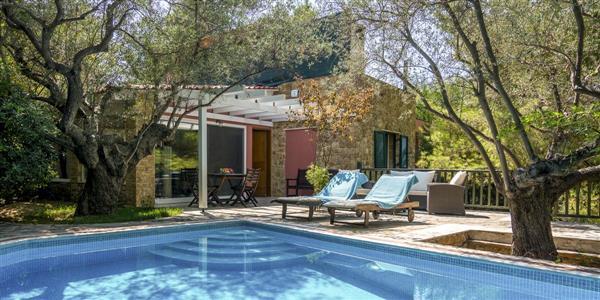Lingonberry Villa in