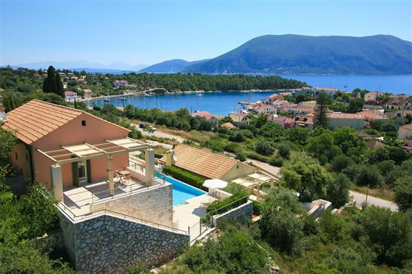 Lyra in Ionian Islands