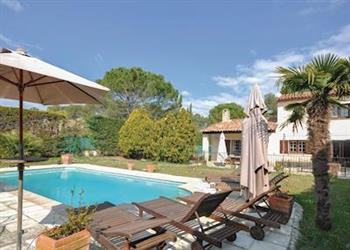 Maison Mougins from Cottages 4 You