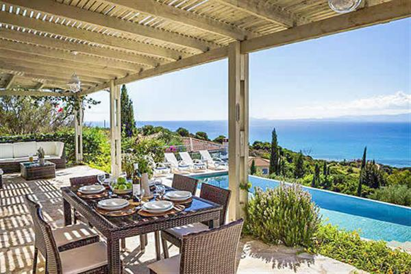 Mounda Beach Villa in Kefalonia