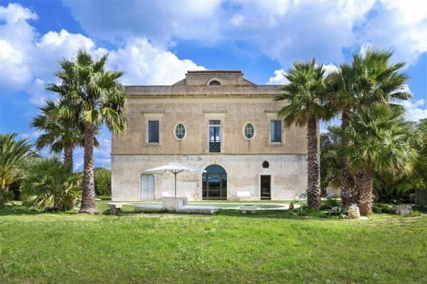Palazzo Cutrofiano in Provincia di Lecce