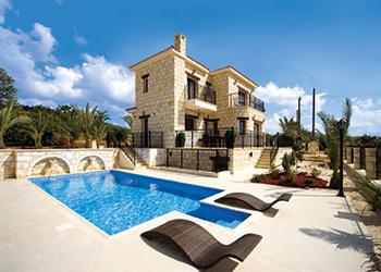 Petrides Villa, Argaka, Cyprus With Swimming Pool