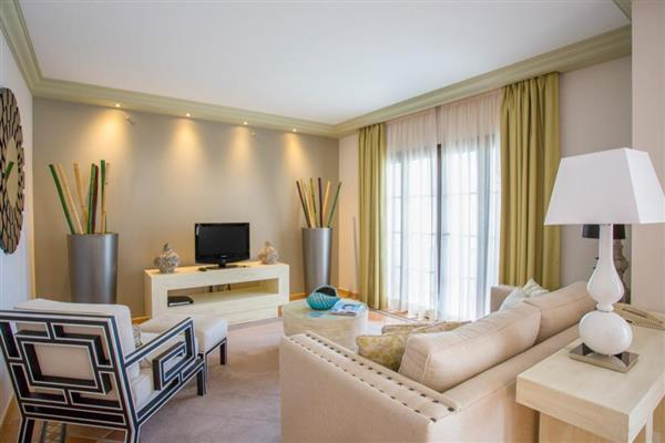 Pine Cliffs Golf Suite Deluxe III in Albufeira