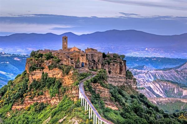 Roccia Di Corte in Provincia di Viterbo