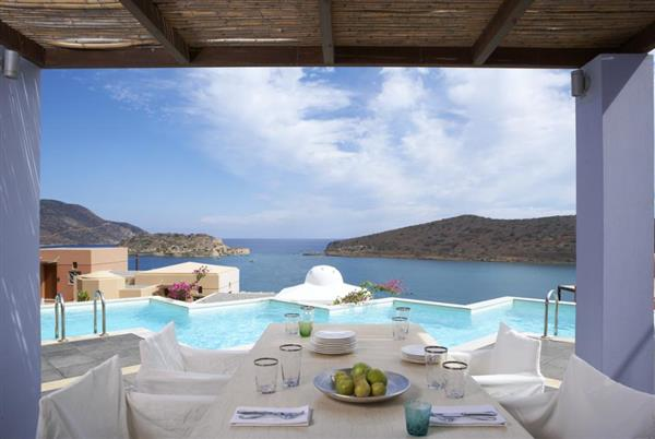 Royal Spa Villa in Crete