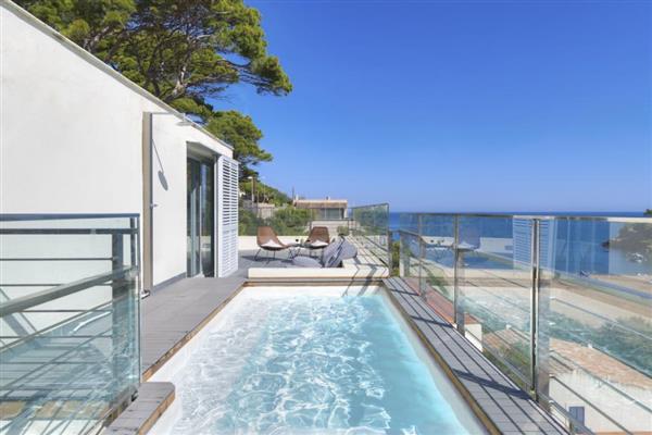 Sa Riera Beach Penthouse in Girona