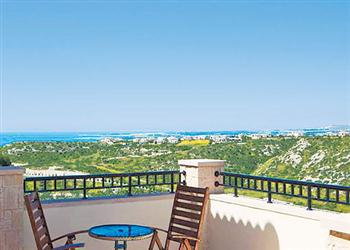 Townhouse Zephyros Village FZ02, Aphrodite Hills, Cyprus With Swimming Pool