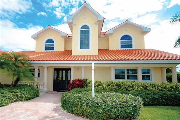 Villa 517 Key Royale Drive in Florida