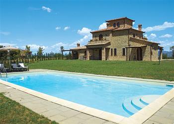 Villa Achiaraluna in Italy