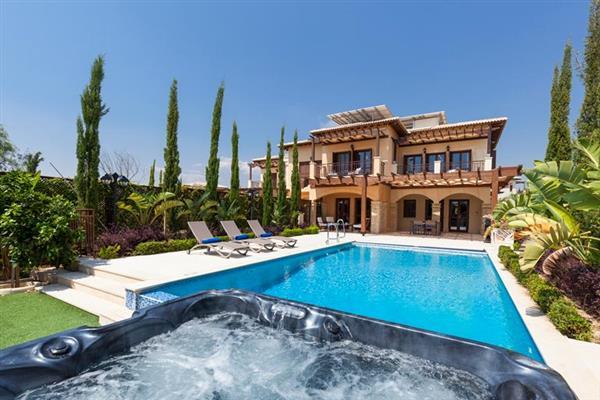 Villa Alexander Heights Elite AJ04, Aphrodite Hills, Cyprus With Swimming Pool