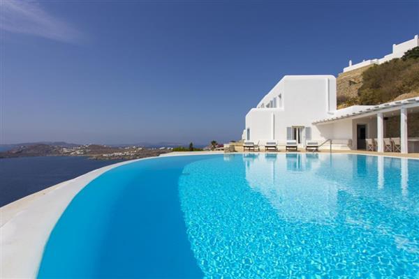 Villa Alfeios in Southern Aegean