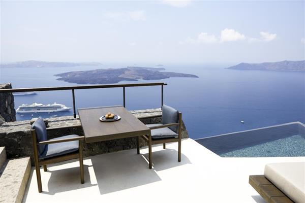 Villa Alpha in Southern Aegean