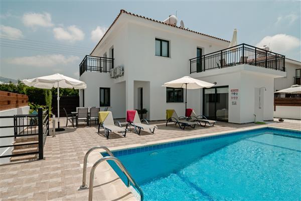 Villa Andri, Coral Bay, Paphos With Swimming Pool