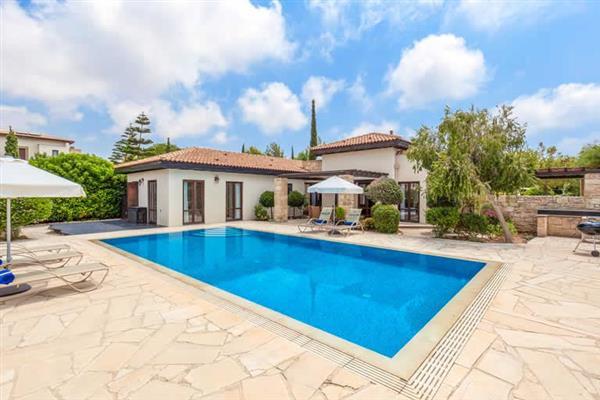 Villa Aphrodite Hills Superior 400 in Cyprus