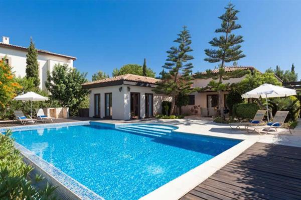 Villa Aphrodite Hills Superior 401 in Cyprus