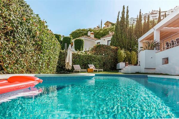 Villa Arqueros, San Pedro de Alcantara, Costa del Sol With Swimming Pool