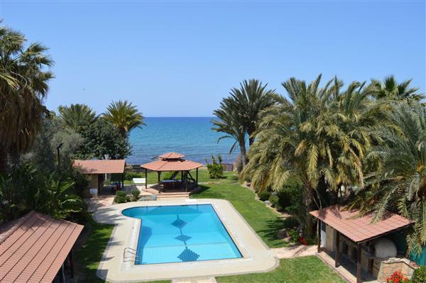 Villa Asteras, Argaka, Paphos With Swimming Pool