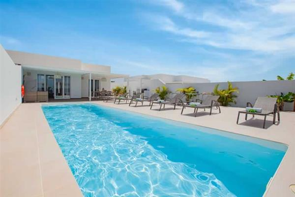 Villa Azahar, Playa Blanca, Lanzarote With Swimming Pool