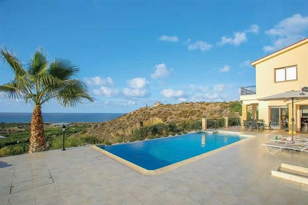 Villa Blue Jadeite, Coral Bay, Cyprus With Swimming Pool