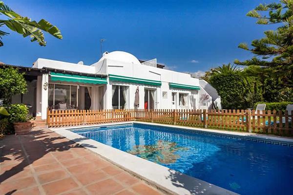 Villa Casa Perla, Marbella, Costa del Sol With Swimming Pool
