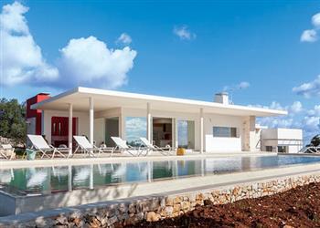 Villa Casa Punto Bianco from James Villas