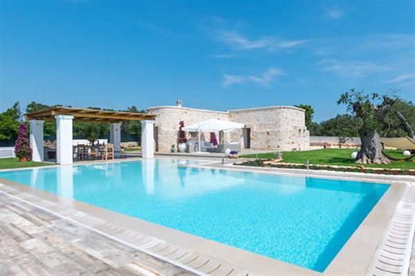 Villa Casa di Pietra from James Villas