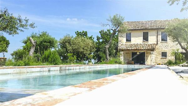 Villa Cassano in Provincia di Macerata