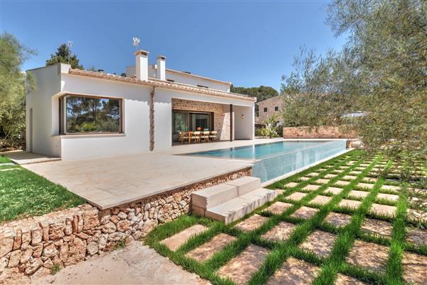 Villa Chalet in Illes Balears