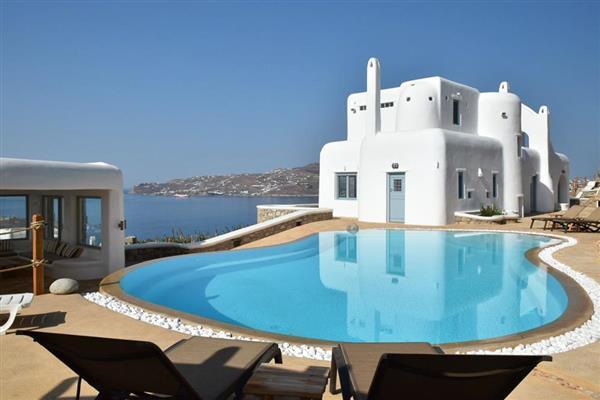 Villa Chariton in Southern Aegean