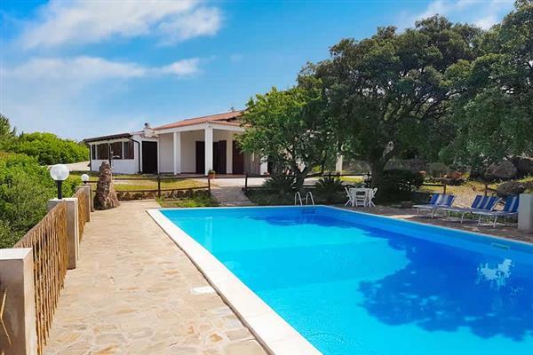 Villa Coloridu in Sardinia
