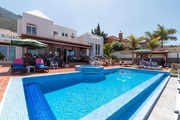 Villa Connie, Costa Adeje, Tenerife With Swimming Pool