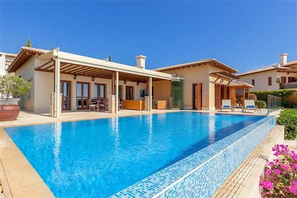 Villa Cypris, Aphrodite Hills, Cyprus With Swimming Pool