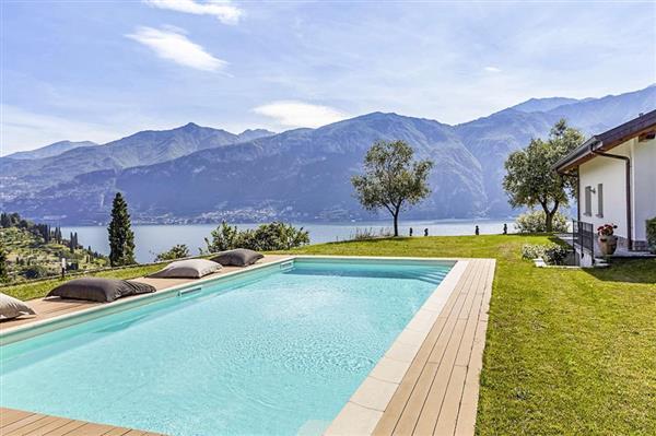 Villa Di Nino in Provincia di Como
