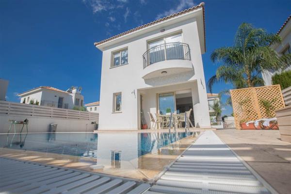 Villa Dione in